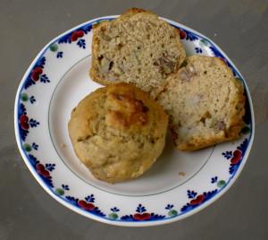 banana date and walnut muffins